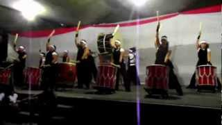 Taikô - conjunto de cinco apresentações de tambores Japonêses na Fe...