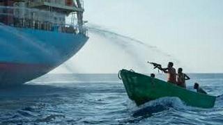 قراصنة صوماليون حاولو خطف سفينة أميركية...