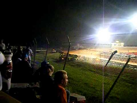 Pure Stock Wreck 1st lap.MP4
