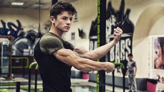 INSANE MOST SHRED YOUNG GUY - Explosive Calisthenics And Fitness Monster