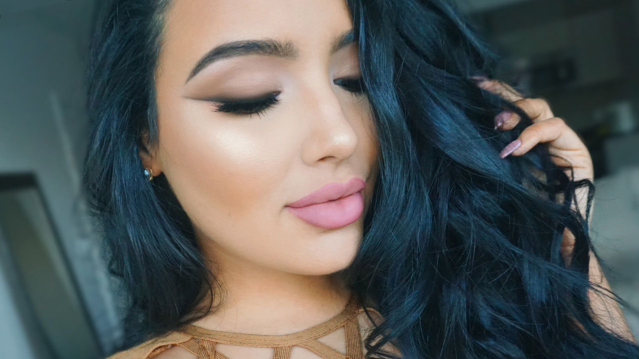 Soft Valentines Makeup Tutorial with Smoked Liner