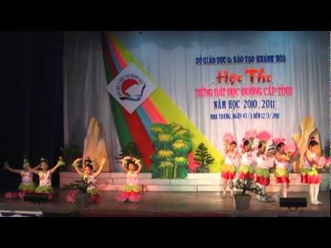 Hoi thi Tieng hat hoc duong Khanh Hoa 2011