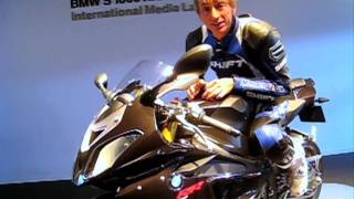 2010 BMW S1000RR Review - Not your father's BMW
