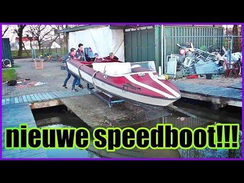 De nieuwe speedboot kopen en in het water doen!!