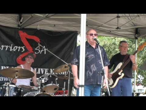 Avlised Services enjoys David Yelland, with band Rollin' Fog, sing I just wanna make love 2 u