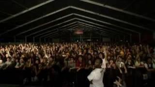 Soulwax - Miserable Girl (Live)
