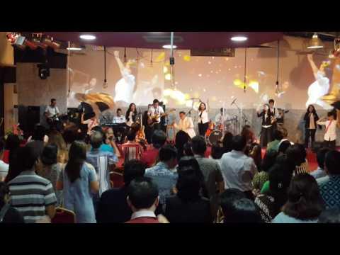 Api KemuliaanNya medley Biarlah RohMu menyala nyala (12 Maret 2017 GBI KA Semarang)