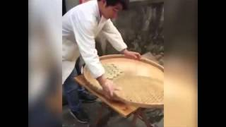 çin de Sokak Lezzeti Yapımı - (China Street Food Making)
