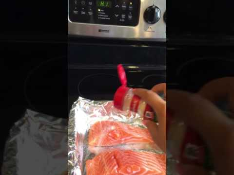 How To Make Delicious Broiled Salmon In 10 Minutes!  SO Easy!