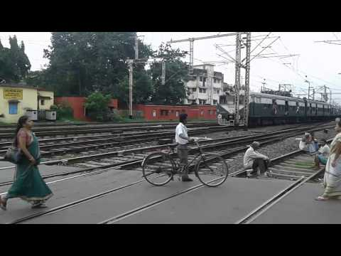 (HD) Budge Budge local departs Ballygunge Junction