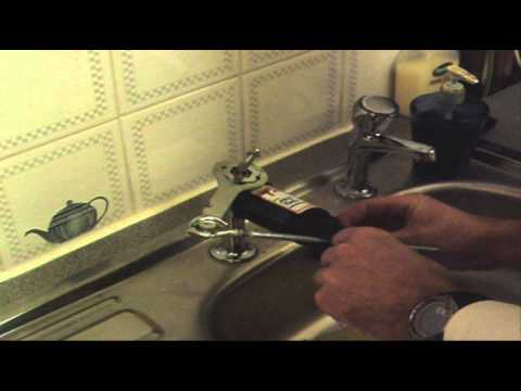 Changing Kitchen Tap Washer with the ABD Tools Tap Splitter - YouTube