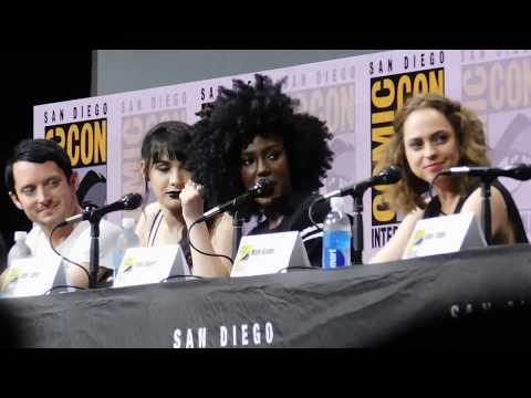 Dirk Gently's Holistic Detective Agency panel @ SDCC 2017 (Elijah Wood, Max Landis)