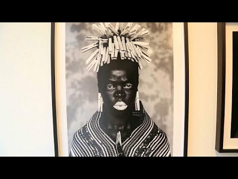 صور شخصية للفنانة زانيلي موهولي تظهر معاناة المرأة في جنوب إفريقيا  - 22:21-2017 / 8 / 9