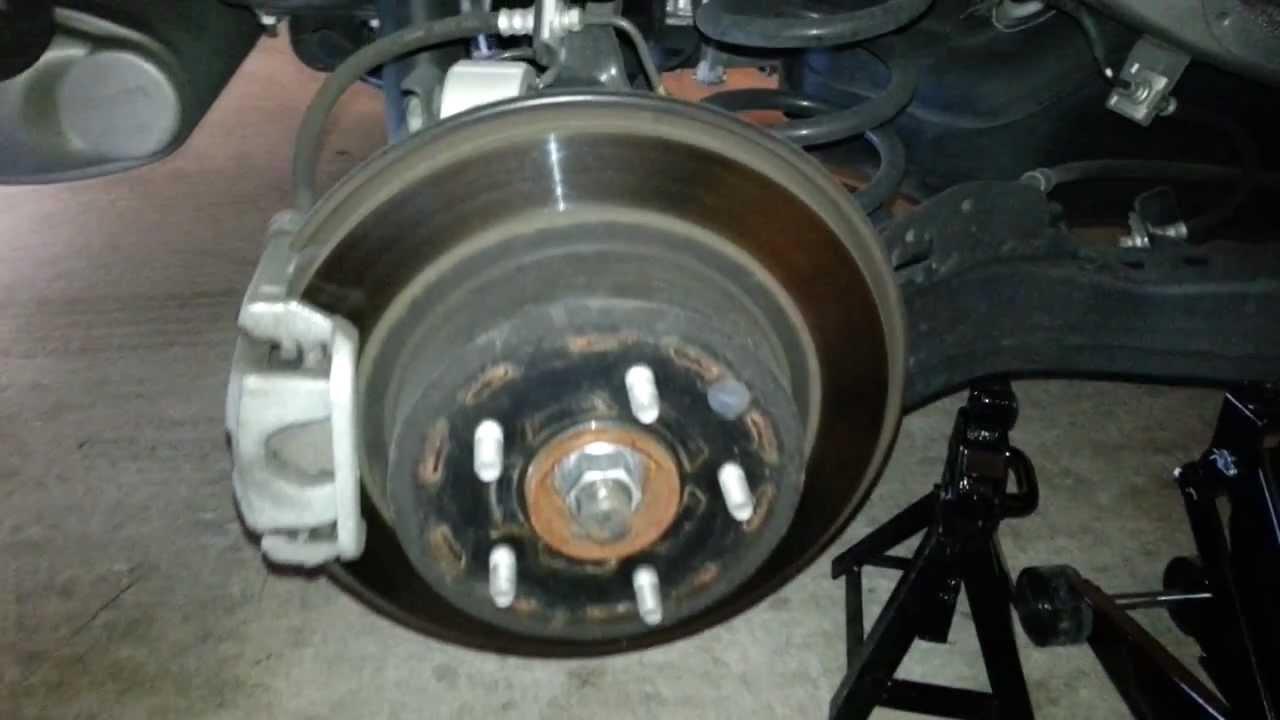 2011 Nissan Rogue SUV - Rear Brake Caliper, Bracket ...