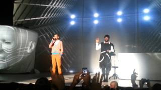 Will.I.Am ft. Stromae - Alors on danse & Papaoutai