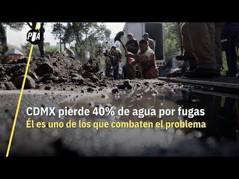 CDMX pierde 40% de agua por fugas. Él es uno de los que combaten el problema