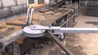 Trubogib.avi(Ручной трубогиб для профильной трубы., 2015-06-10T07:17:38.000Z)