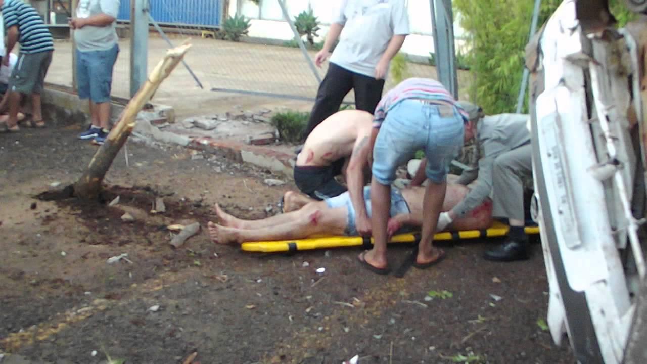 eb190a163410 Acidente em frente a Jardinox - Paulo Marques Notícias - YouTube