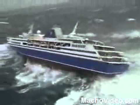 Xlarge Waves Nearly Drowns Cruise Ship YouTube - Giant wave hits cruise ship