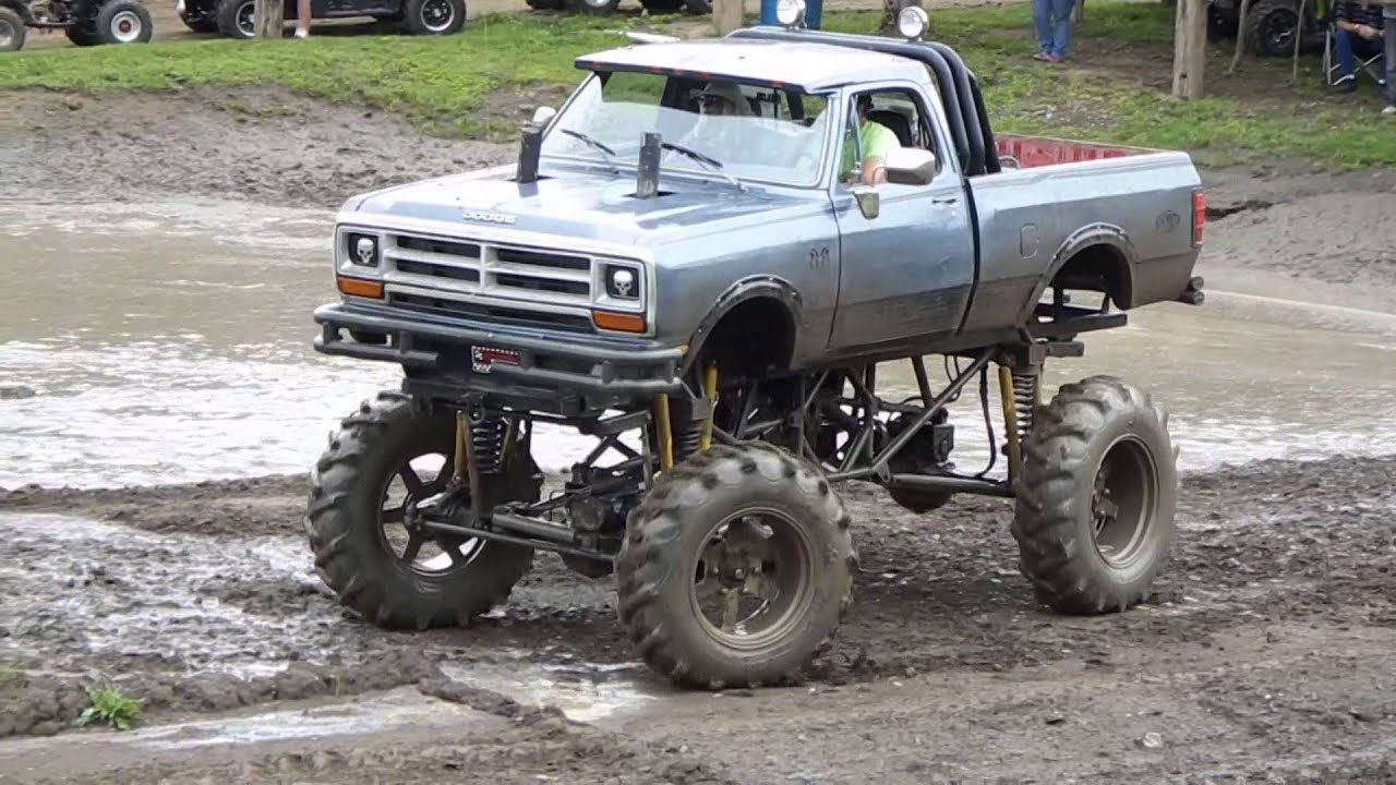 Jacked Up Dodge Ram >> Jacked Up Dodge Ram Tear N Up Lower Pits Youtube