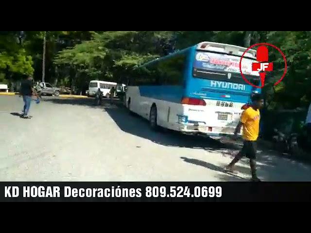 Educación contrata autobuses de SJM para mover padres dentro de Pedernales  a menos de un kilómetro