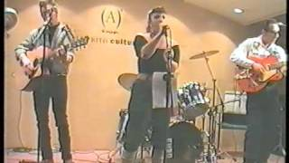 KATTY & THE CATBONES--En el Corte Ingles de Zaragoza 21 4 2000