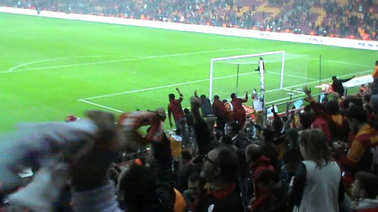 Bu Gece Barda Gönlüm Hovarda (Galatasaray-Fenerbahçe)