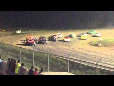 34 raceway 5-9-15 stock car feature pt3