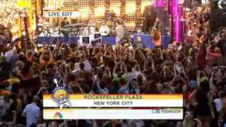 Pitbull - Rain Over Me ft. Marc Anthony Live Toyota Concert Series 2011