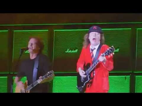 AC/DC Dirty Deeds Done Dirt Cheap (Live in Foxborough 2015) Multi-cam