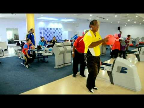 Pertandingan Bowling Hari Guru 2015 : Cikgu 'Ter' MENANG !!!!