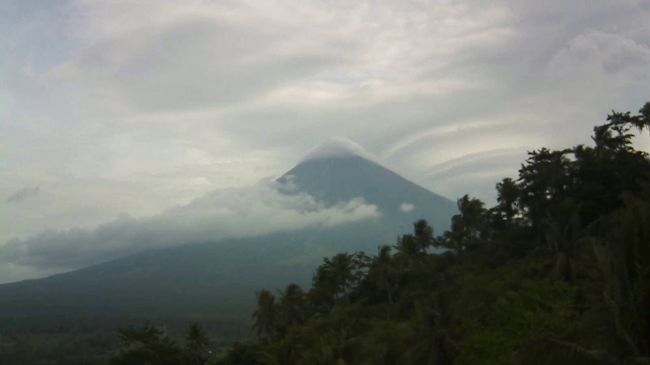 20/7/2018 WITA - Mt Mayon TimeLapse
