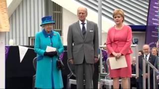 Nicola Sturgeon sings God Save the Queen
