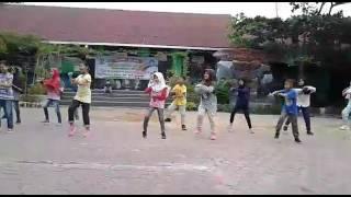 Download Lagu Latihan dance jam 4 sore meghan trainor mp3