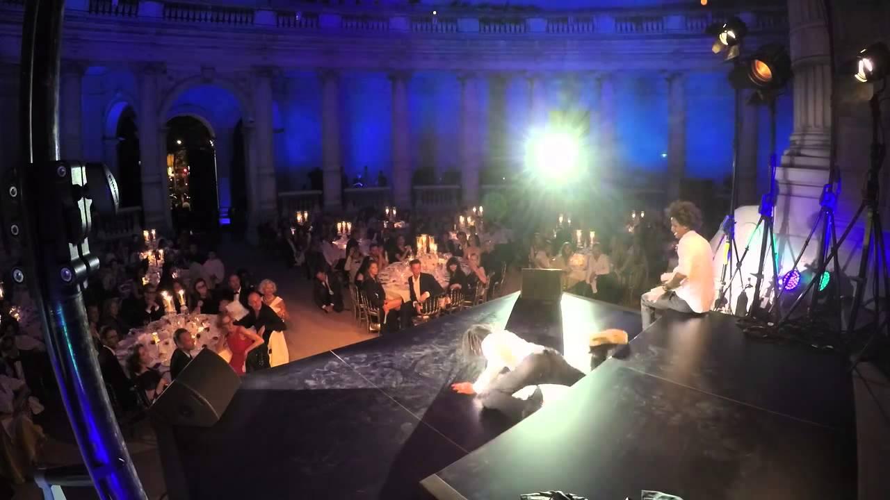 Les Twins perform at the Vogue Paris Foundation Gala 06/07/2015 Palais Galliera, Paris