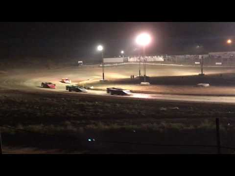 9/1/2017 Gillette Thunder Speedway heat race outside view