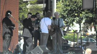 Del McCoury Band & Sam Bush - Midnight On The Stormy Deep