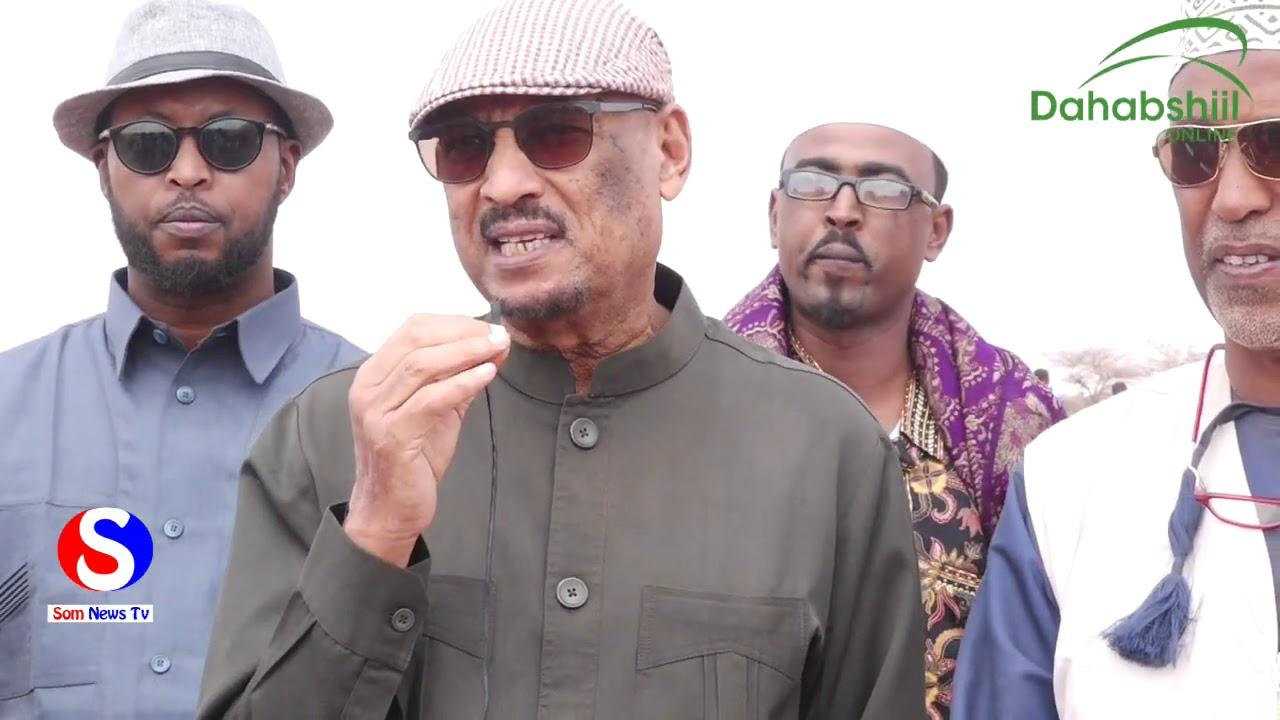 Download Gudoomiyaha xisbiga ucid ayaa deeq gaadhsiiyey deeganka Salaxlay