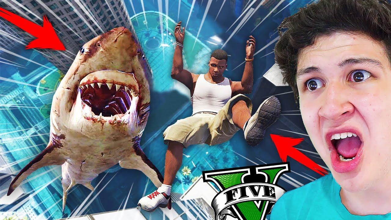 ¿Qué PASA si te COME un MEGALODÓN en GTA 5? Grand Theft Auto V - GTA V Mods