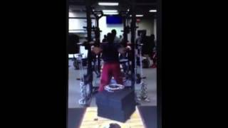 Redskins fullback Jordan Campbell squats 715 pounds with ease