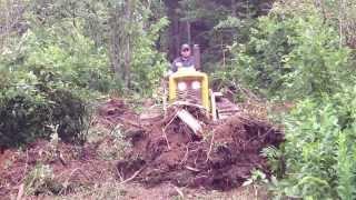 John Deere 440 crawler. Making a trail
