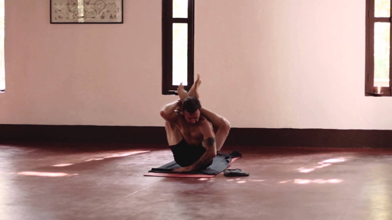 Ashtanga Yoga Intermediate Series with David Robson (5/10 ...