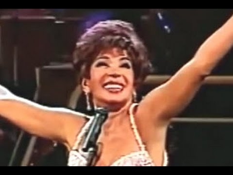 Shirley Bassey - Hey Jude (1994 Live Royal Variety Performance (RVP))