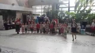 Детский ансамбль, поют на мордовском. VIA
