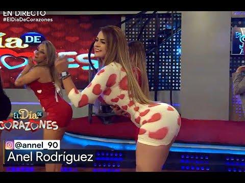 💗💗Anel Rodriguez con y vestido de corazones💗💗