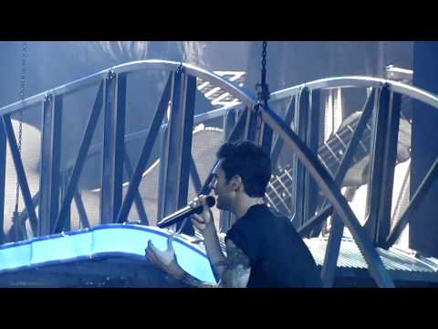 She Will Be Loved + Engagement Proposal - Maroon 5 @ACC Toronto