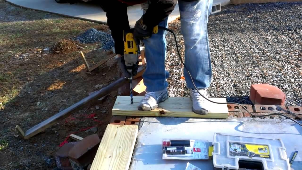Como construir un garage instalando la madera de base - Garage de madera ...