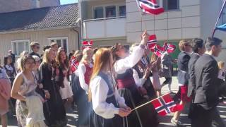 17 mai Barnetoget i Drammen 2016