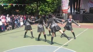 kita adalah Dance Cover SakuraGakuin yaitu ShiraiGAkuin FROM INDONE...
