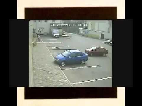 Офигеть Как? Так? бабы паркуются!!!!